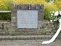 Groesbeek (NL) Breedeweg, oorlogsmonument bij kerk (03).JPG