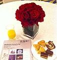 HK Admiralty Island Shangri-La Hotel interior Nov-2013 邦瀚斯 Bonhams Auction afternoon tea time foods 叉燒酥 Cha siu pastry n red roses.jpg