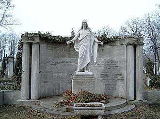 Henrik Haggenmacher - The family tomb of the Haggenmacher family made by Rezső Hickish in 1919