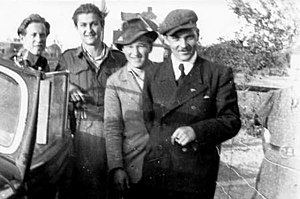 Henryk Flame - Henryk Flame, first from the right, photographed after the 1947 amnesty