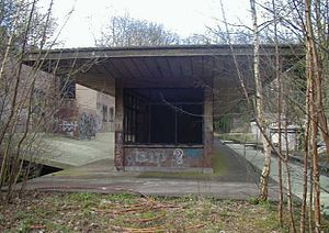 Highgate tube station - Platform building constructed for the Northern line