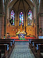 Hilbringen St. Petrus in Ketten Innen Altarraum 01.JPG