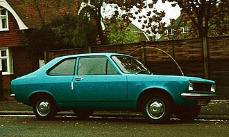 Hillman Avenger - Hillman Avenger Saloon: a two-door version was offered from 1973. The absence of wrap-around turn indicators on the front corners identifies this as a pre-facelift Avenger.