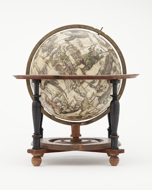 Himmelsglob med horisontcirkel zodiaken och v%C3%A4derstreck, 1602 - Skoklosters slott - 10550.tiff