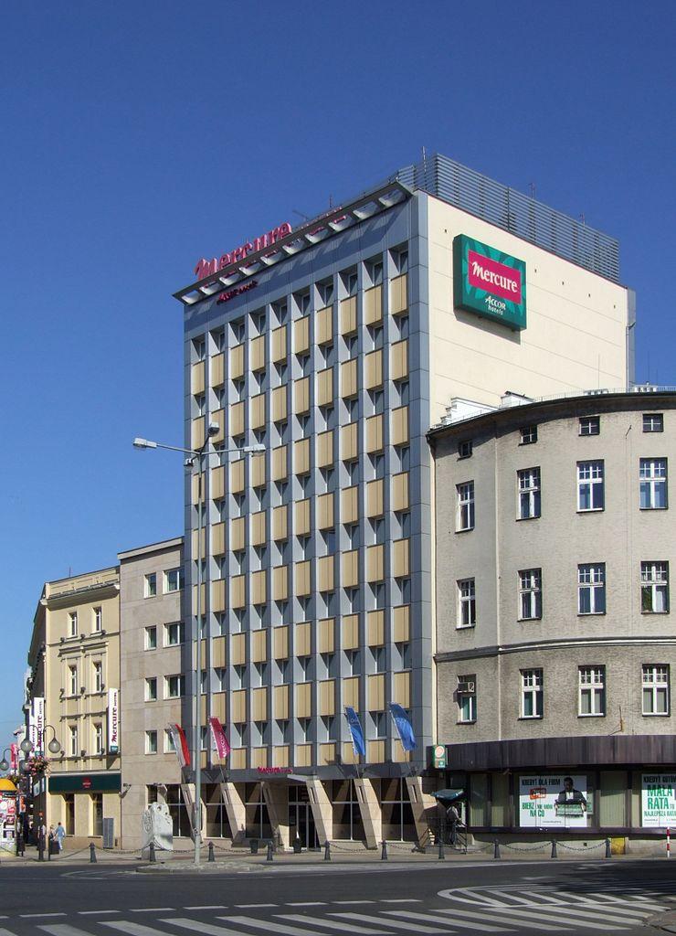 """File:Hotel """"Mercure"""", Opole.JPG - Wikimedia Commons"""