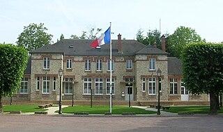 Lèves Commune in Centre-Val de Loire, France