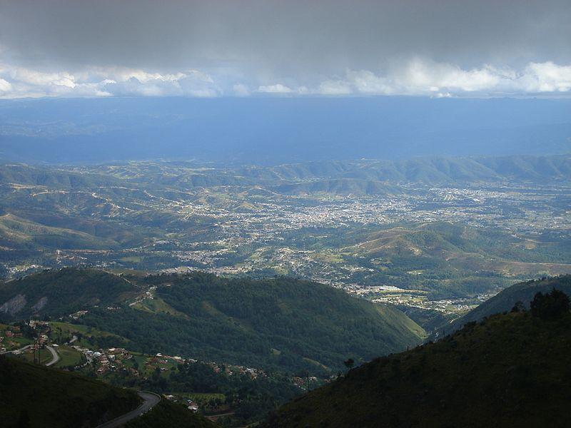File:HuehuetenangoCiudad.jpg
