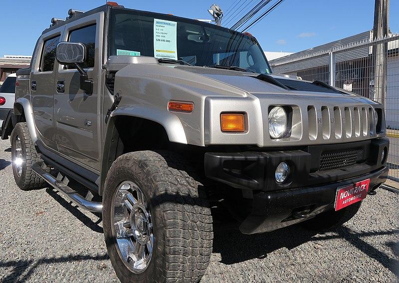 File:Hummer H2 SUT 2005 (37268646294).jpg