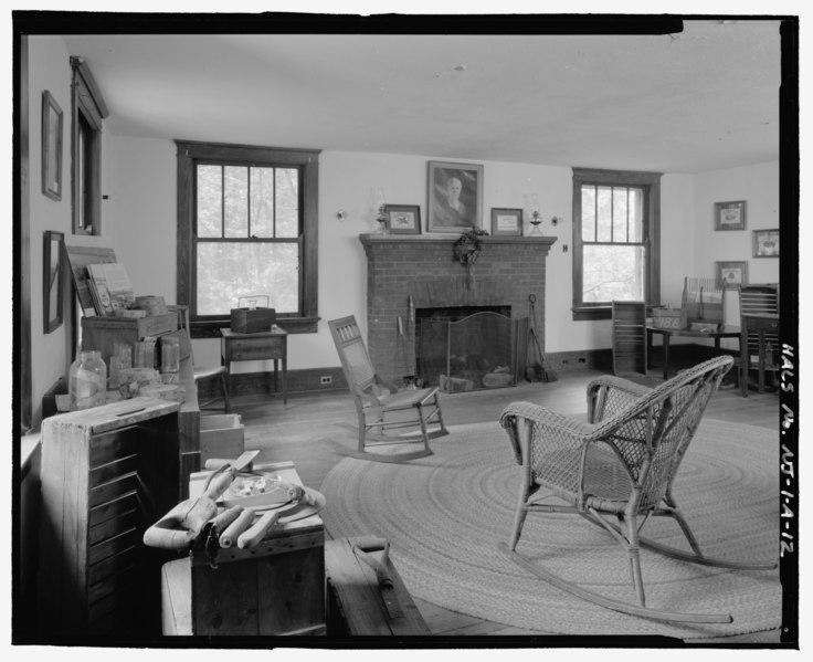 Cranberry Living Room Ideas