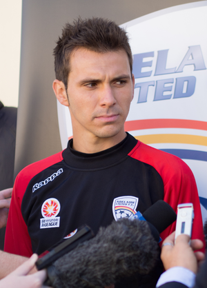 Isaías Sánchez - Isaías being presented by Adelaide United