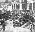 Italijanski vojni ujetniki na glavnem trgu v Udinah.jpg