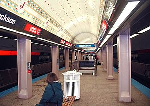 Jackson station (CTA Red Line) - Jackson station in 2004 after renovation was completed