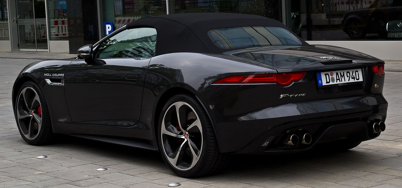 file jaguar f type v8 s cabriolet heckansicht 12 juli. Black Bedroom Furniture Sets. Home Design Ideas