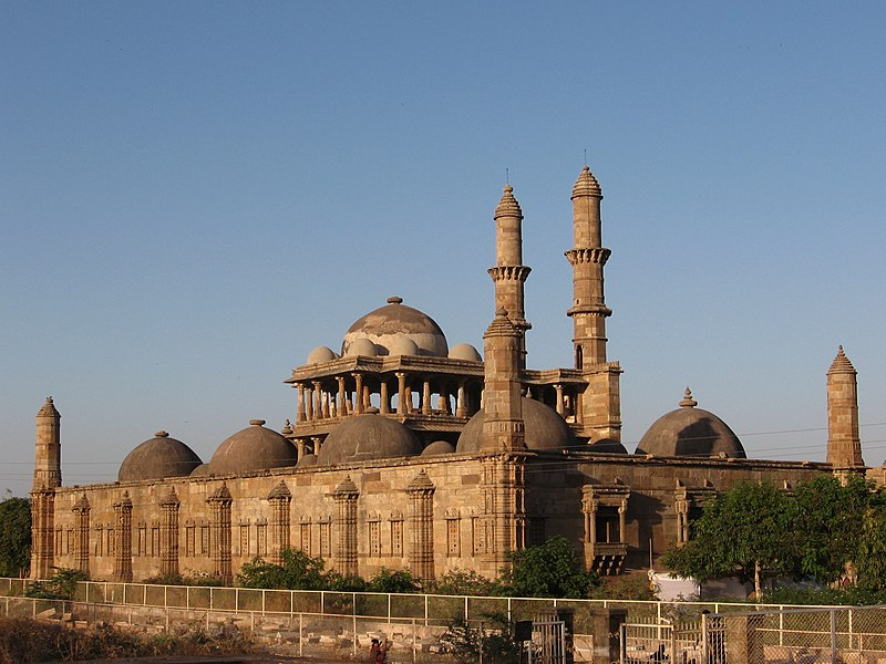 800px-jama_masjid_in_champaner