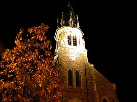 A nocturnal view of the church in Jans