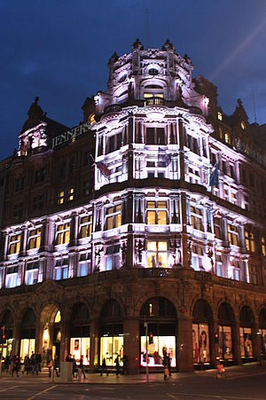 Jenners - Jenners by night