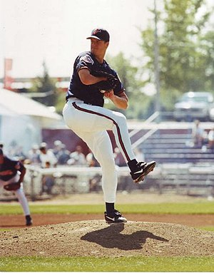 English: Jim Abbott pitching during a 1998 Cal...