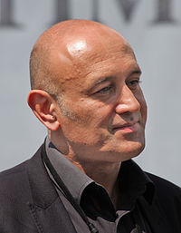 Jim Al-Khalili (cropped and shadow enhanced).jpg