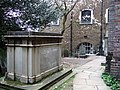 John Harrison's tomb in St John's churchyard - geograph.org.uk - 376223.jpg