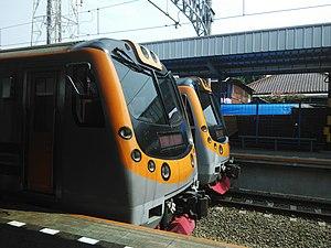 Kereta Commuter Indonesia - Image: KFW i 9000 Tangerang
