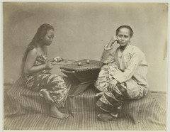 KITLV 26587 - Isidore van Kinsbergen - Girl plays a gambang Batavia - Around 1870.tif
