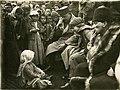 Karabekir, Latife Hanım ve Atatürk Edremit yolu üzerindeki Ergama köyünde (8 Şubat 1923) (2).jpg