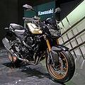 Kawasaki Z750R ABS right-front 2011 Tokyo Motor Show.jpg