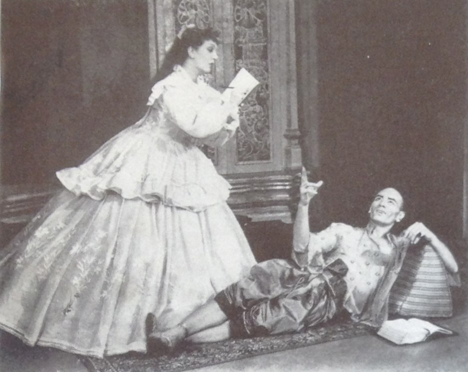King dictates to Anna