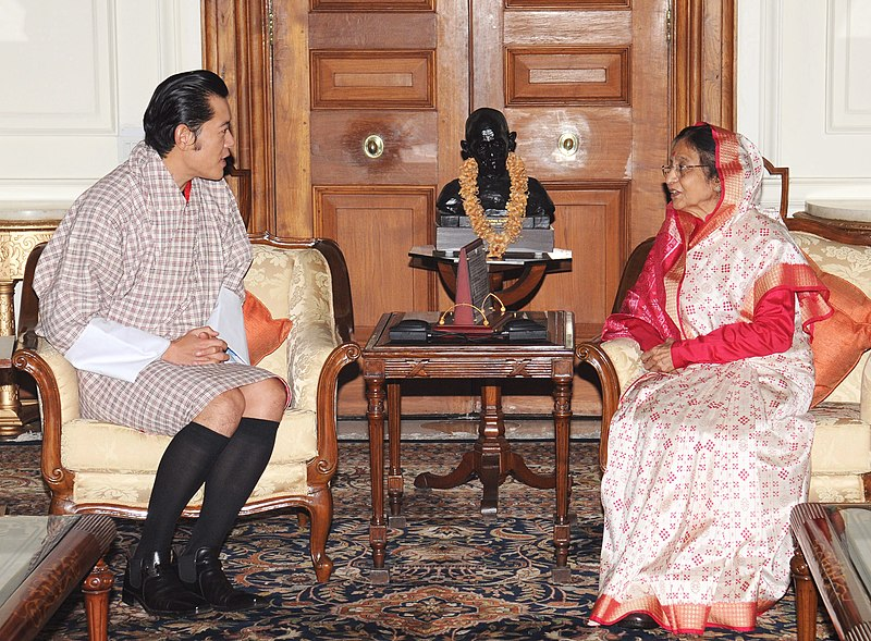 File:King of Bhutan His Majesty Jigme Khesar Namgyel Wangchuck meeting the President, Smt. Pratibha Devisingh Patil, in New Delhi on October 22, 2010.jpg