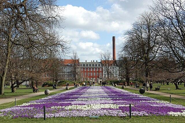Музейный уголок: весну в Kопенгагене лучше встречать прогулкой в парке!