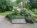 Kriegerdenkmal am Kupferteich mit Namensplatte.jpg