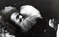 Kropotkin en su lecho de muerte.