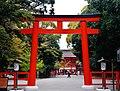 Kyoto Shimogamo-jinja Torii 5.jpg