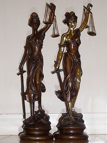 English: Lady Justice bronze statue (15inches5...