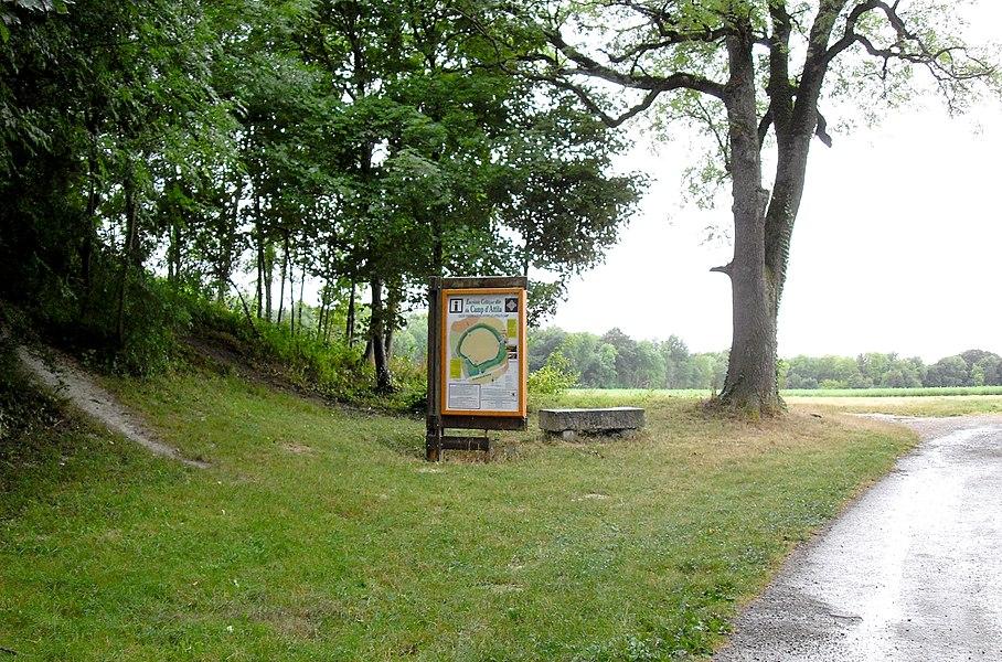 La Cheppe Camp d'Attila - l'entrée située à l'est, du côté du village de La Cheppe