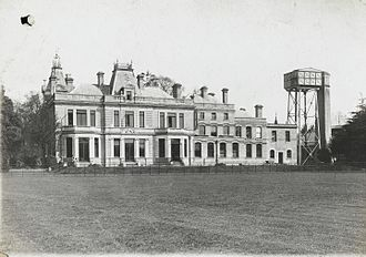 Wellcome Research Laboratories - Photo of Langley Court. Site of the Wellcome Physiological Research Laboratories main building.
