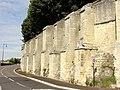 Laon (02), abbaye Saint-Jean, muraille côté sud, sur la RD 54 1.jpg