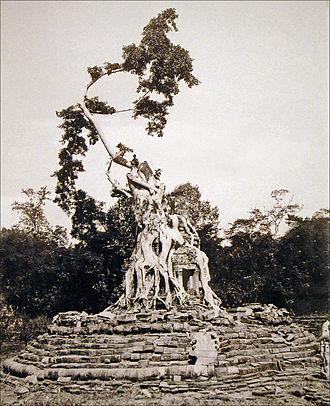 Henri Parmentier - The Neak Pean temple before the cleanup