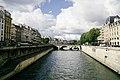 Le Pont Saint-Michel à Paris vu du Petit Pont.jpg