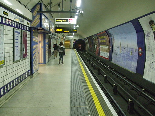 Leicester Square stn Piccadilly eastbound look west