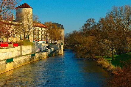 Leine River At Hanover City Leine at Hannover City.JPG