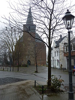 Linnich, Kreis Düren. Kirche St.Martinus. - geograph.org.uk - 8369.jpg
