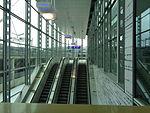 Liukuportaat terminaaliin hissien vierestä 2016-03-21.JPG