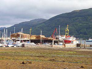 Sandbank, Argyll - Image: Loading up, Sandbank