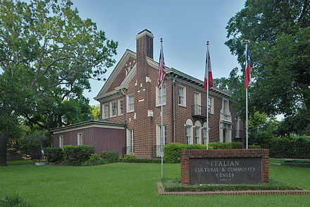 Italian Cultural and Community Center in the Houston Museum District Logue House 1101 Milford.jpg