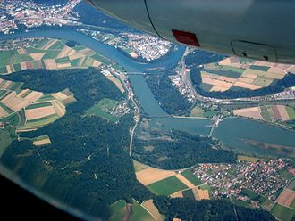 Leuggern - Aerial view of the confluence of Aar and Rhine with Felsenau (left of center) and Gippingen (lower right)