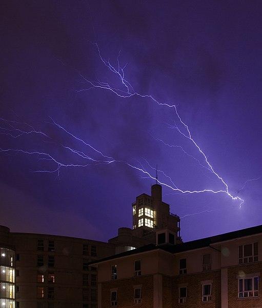 File:London MMB »1E6 Lightning.jpg