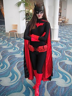 Long Beach Comic & Horror Con 2011 - Batwoman (6301704418).jpg