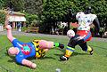 Losanna, museo olimpico, niki de saint-phalle, les footballers, 1993.JPG