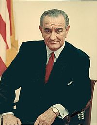 Lyndon B. Johnson to Joaquin De Alba with appreciation and... Dec. 1967 reducida (croped).jpg